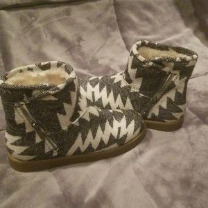 Indigo rd. Boots winter soft cute size 8½M 8.5 M